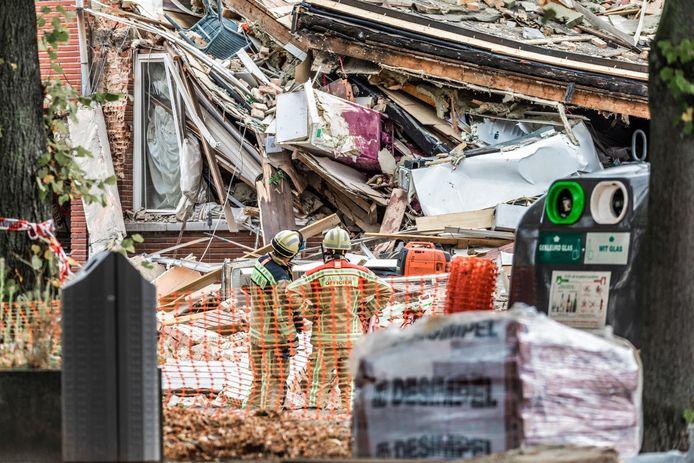 Een beeld van de verwoeste huizen aan Ridderveld in de wijk Valaar.