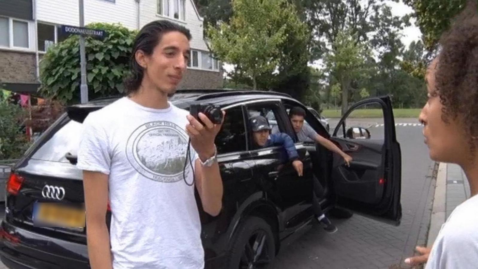 Vlogger Ismail Ilgun en het Zaanse raadslid Juliëtte Rot.
