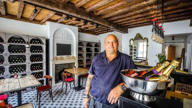 """Tot in Parijs zijn ze fan van de handgemaakte wijnkelders van René (58), die nu eigen winkel opent in hartje Brugge: """"Ik denk nog lang niet aan mijn pensioen"""""""