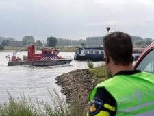 Hulpdiensten staken massale zoekactie naar mogelijke drenkeling in de Waal bij Tiel