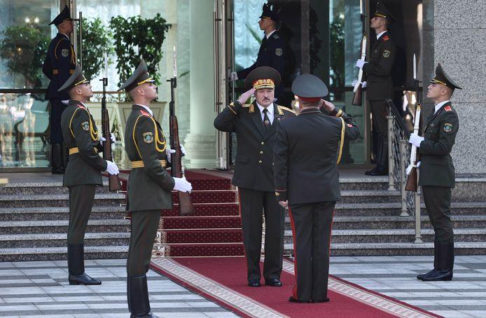 De Belarussische president Alexander Loekasjenko tijdens de inauguratieceremonie in het Paleis van Onafhankelijkheid in Minsk.
