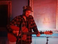 Rubenson in de finale van Art Rocks met lied dat hij opdraagt aan slachtoffers van Schevenings surfdrama