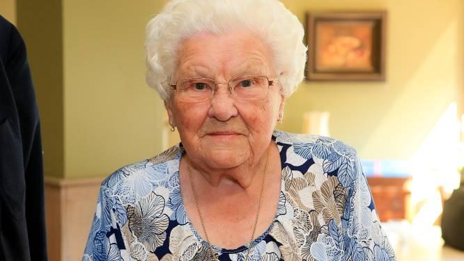 """Familie en stad namen afscheid van oudste Belg: """"Moe Julia, Lier zal jou nooit vergeten"""""""