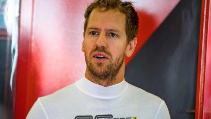 Onze F1-watcher in Silverstone merkt op hoe Vettel vaak buiten komt gelopen uit de motorhome van... Red Bull