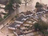 Dronebeelden laten hevige overstromingen in Engeland zien