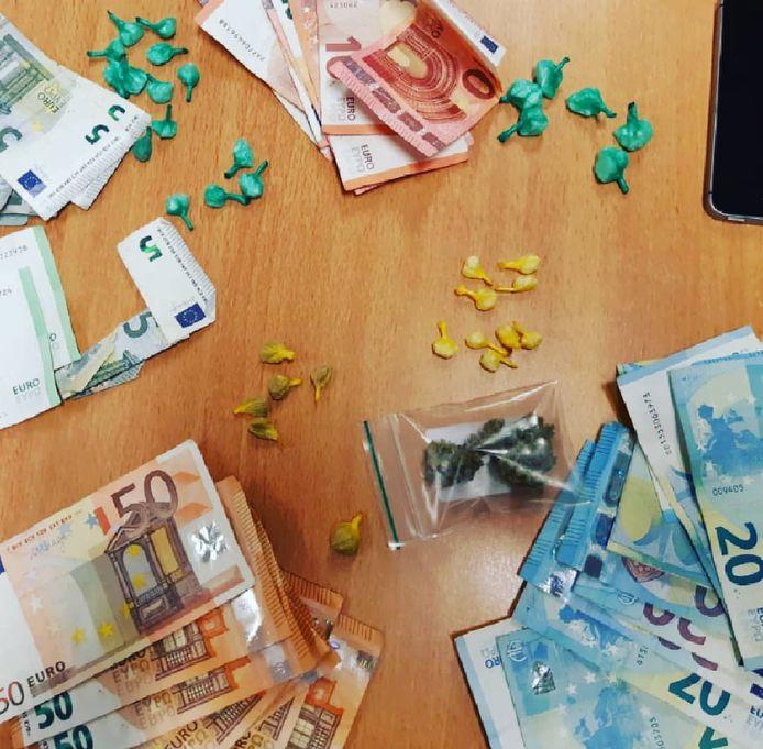 Een man in de wijk Lombok had geld en drugs op zak.