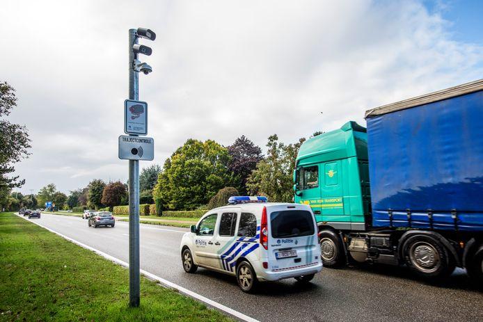 ANPR-Camera's registreren nummerplaten van auto's in Turnhout, België.