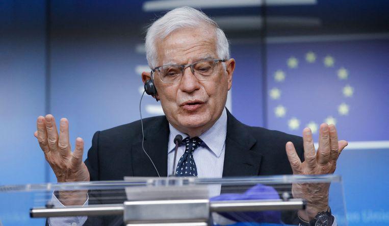 EU-buitenlandcoördinator Josep Borrell tijdens de persconferentie na afloop van de ingelaste vergadering van ministers van buitenlandse zaken (per beeldverbinding) over het opgelaaide geweld in het Midden-Oosten. Beeld AFP
