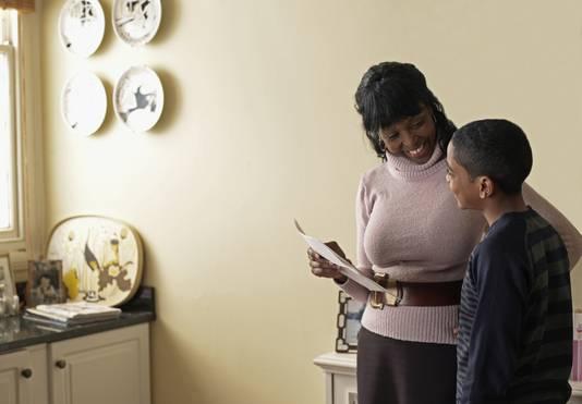 Ouders kunnen helpen door 'lief te zijn'.