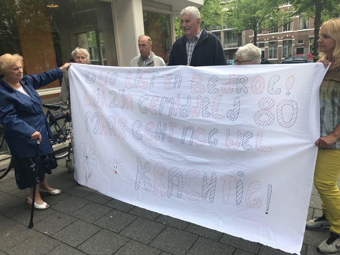 Actiecomité Rivierenbuurt verzet zich tegen de gedwongen verhuizing van alle bewoners.