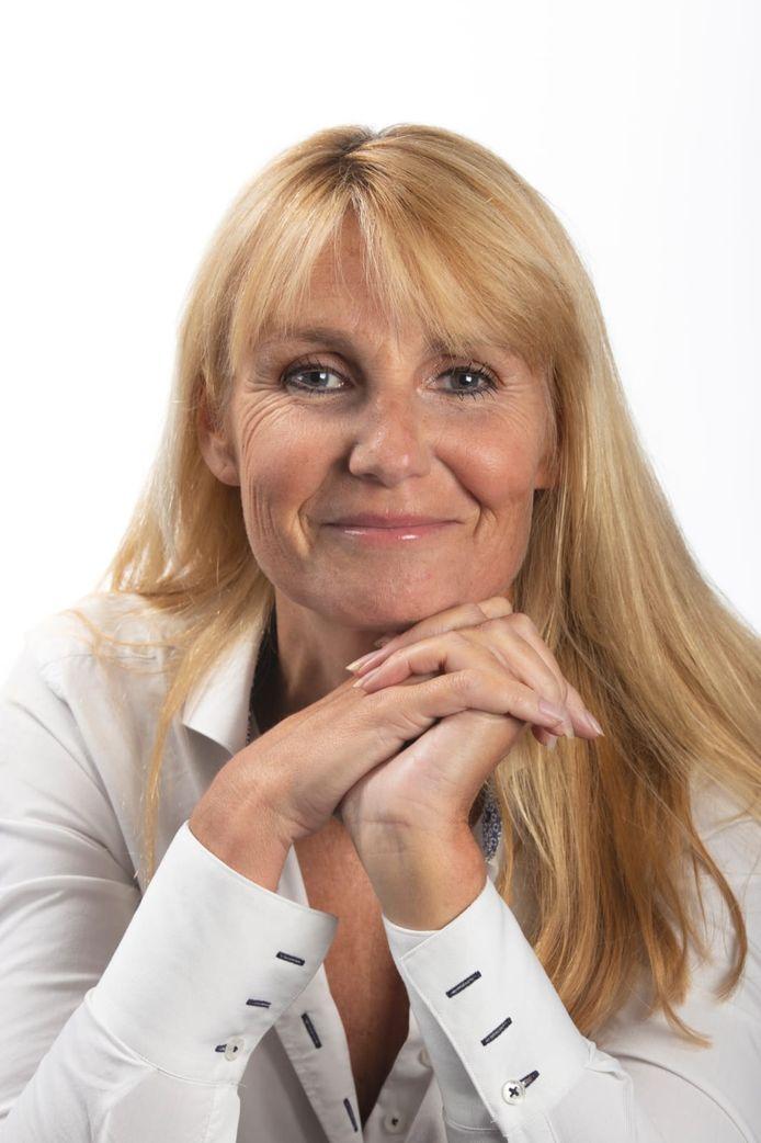 Eva Broekzitter richtte een website op speciaal voor vrijgezelle inwoners van Voorne-Putten.