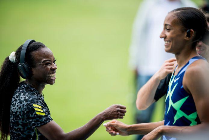 Cynthia Bolingo en Nafi Thiam zijn gelukkig na de 200m in NIjvel.