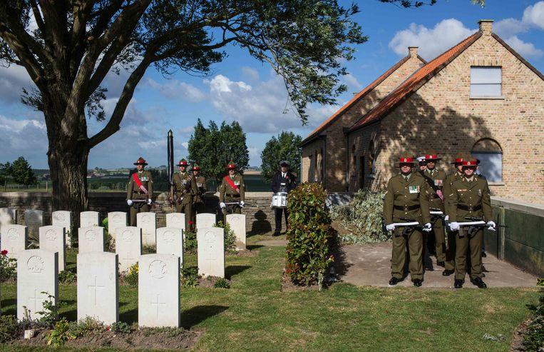 7 juni 2017: herdenkingsplechtigheid voor de gesneuvelden van de Slag om Mesen exact 100 jaar geleden. Beeld Bas Bogaerts