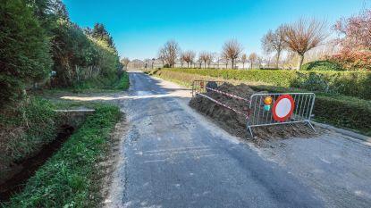 Franse burgemeester opent grens weer in Nieuwkerke, weliswaar alleen aan Franse kant