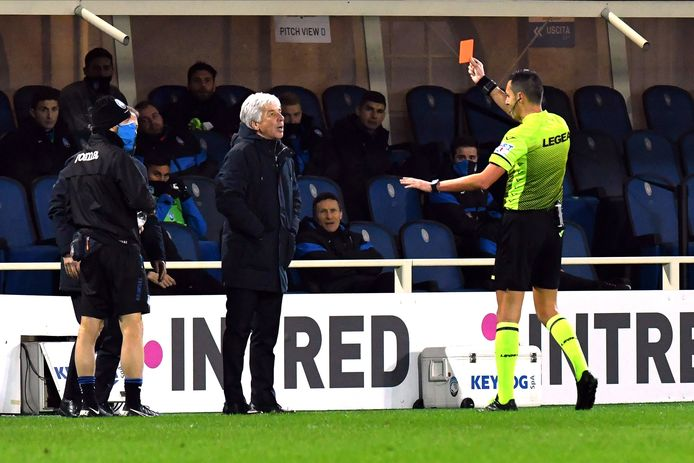 Atalanta-coach Gian Piero Gasperini kreeg weer eens een rode kaart.