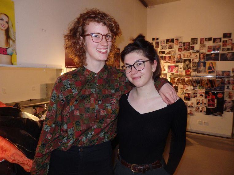 Team Write Now!: Iris Nieuwenhuizen en Romy Roomans. Beeld Schuim