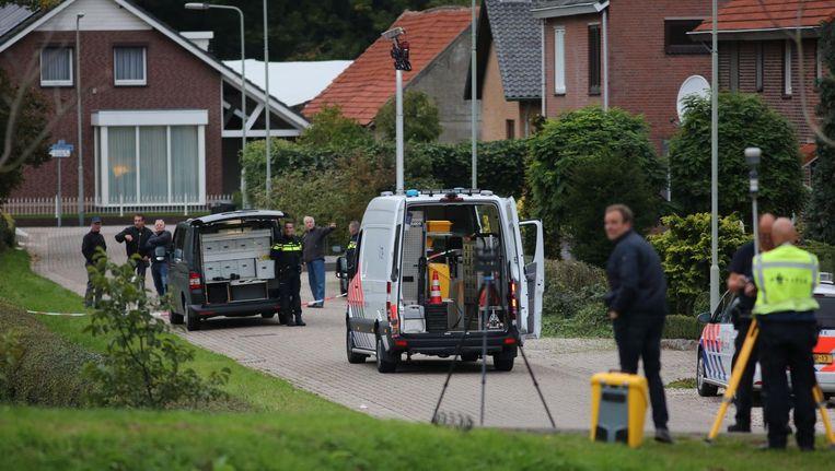 Onderzoek op de lokatie waar een verdachte door de politie werd doodgeschoten. Beeld anp