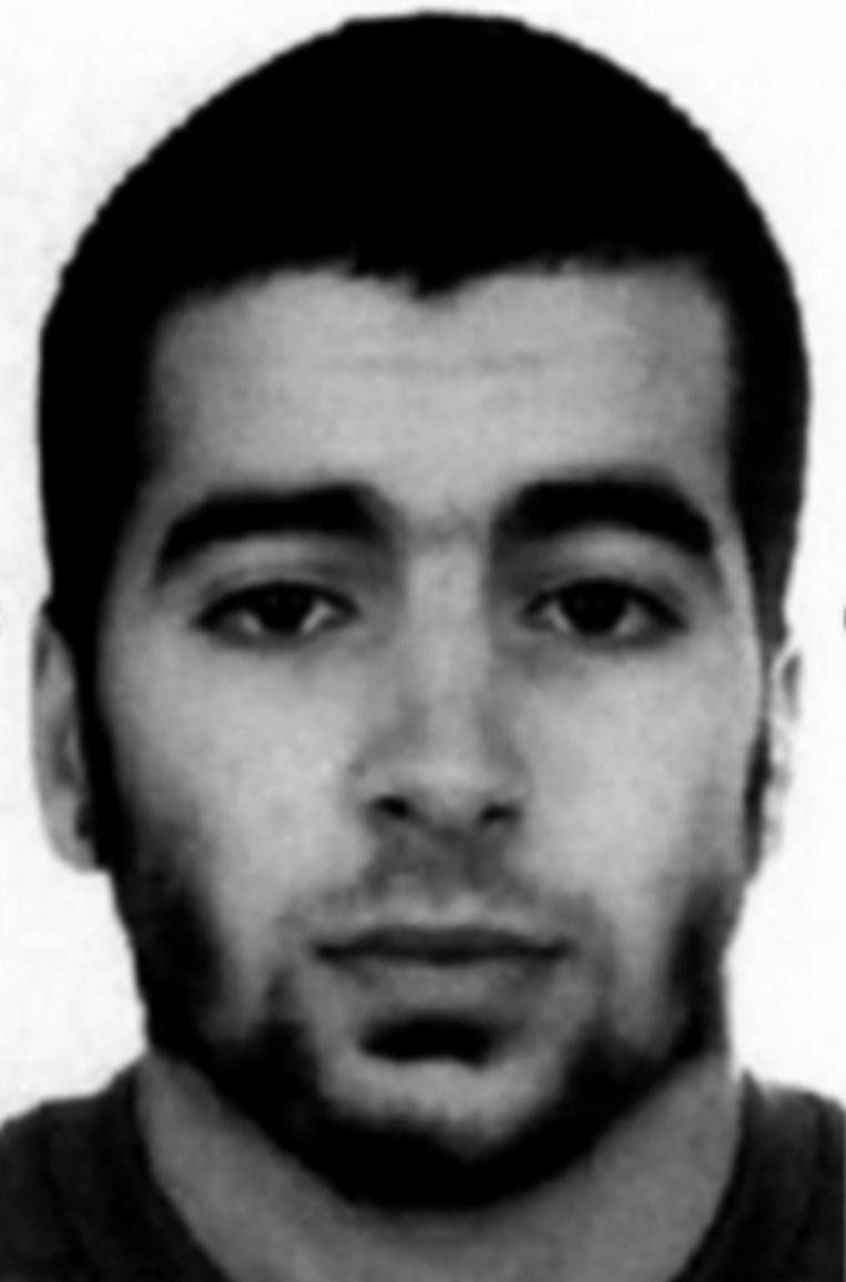 'Speurders zijn stomverbaasd als blijkt dat Chakib Akrouh één van de daders van de aanslagen in Parijs is.' Beeld