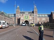 Demonstranten Extinction Rebellion klemgezet onder Rijksmuseum