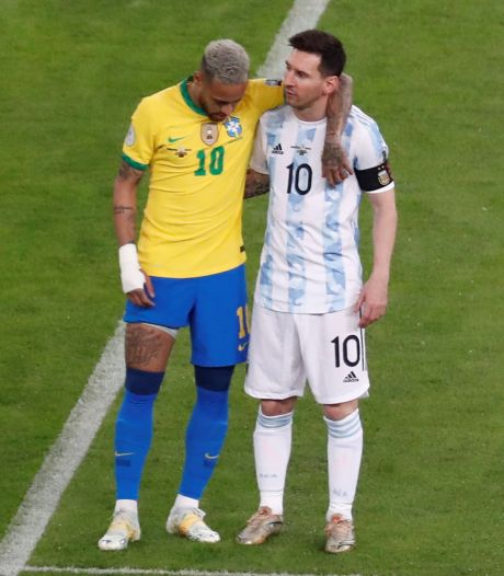 """Neymar félicite son """"frère"""" Messi pour son titre: """"Le football t'attendait pour ce moment"""""""