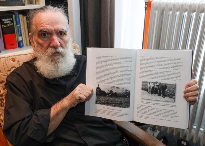 Schrijver Tonny van Kemseke maakte een boek over de neergestorte bommenwerper B-17 bij Biervliet.