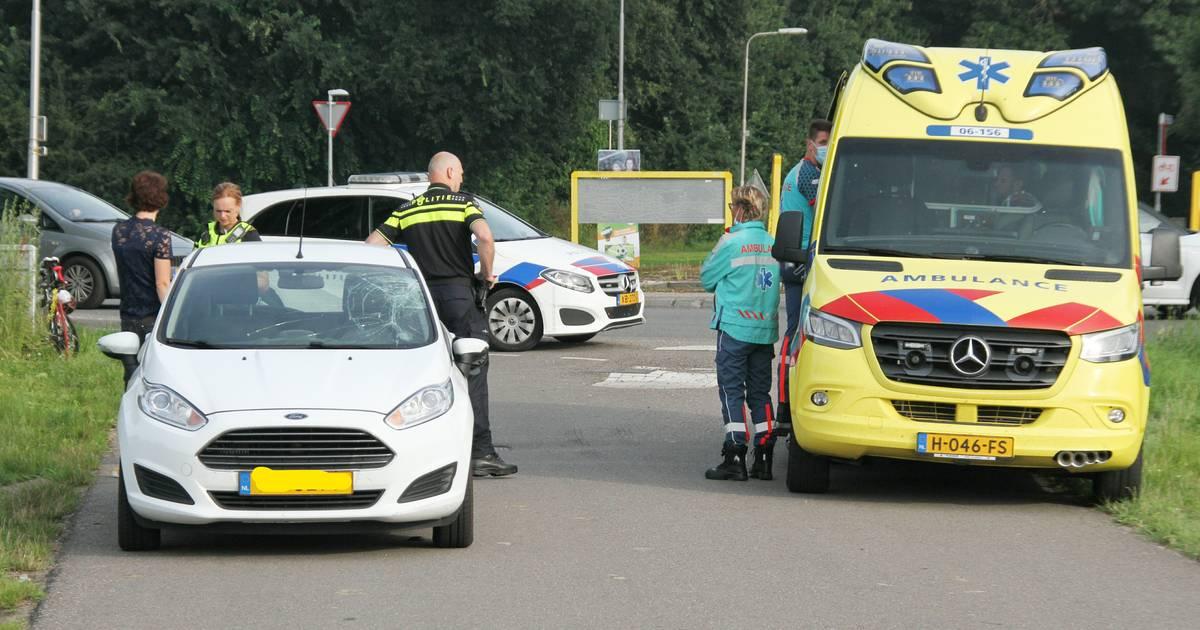 Wielrenner gewond bij botsing met auto op N346 in Lochem.