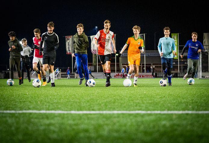 Welke trainingen kunnen er na invoering van de avondklok nog doorgaan bij Oranje Wit in Dordrecht?