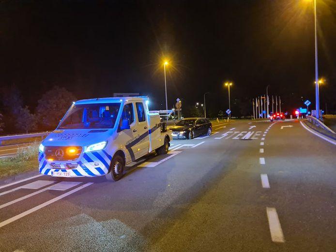 Depannage SOS sleepte het voertuig weg van de Verenigde Natieslaan.