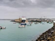 Pêche post-Brexit: démonstration de force des pêcheurs français devant l'île de Jersey