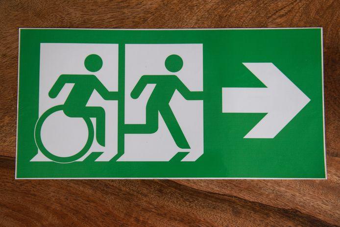Een nieuw pictogram, dat de weg wijst naar de meest geschikte nooduitgang.