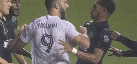 Higuain belaagd in het veld na gemiste strafschop in MLS