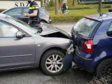 Drie auto's botsen tegen elkaar in Zevenaar