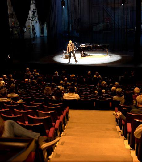 Opgetogen publiek bij testvoorstellingen in Eindhoven: 'Heel mooi dat er eindelijk weer iets gebeurt'
