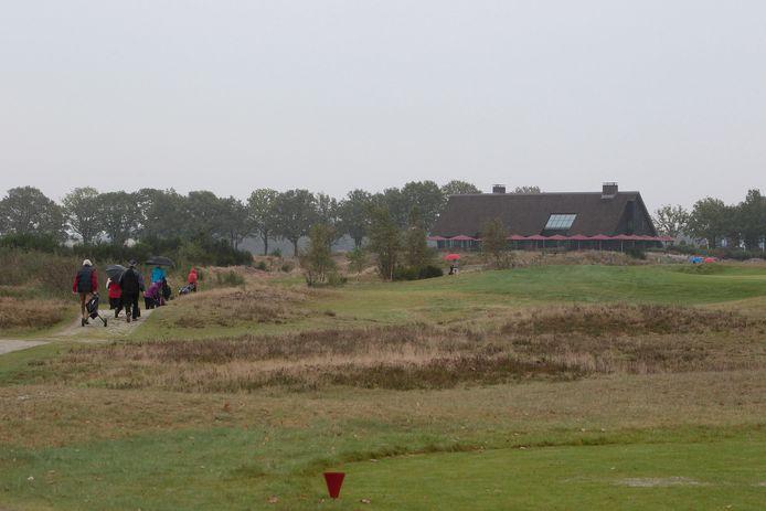 Golfbaan en clubhuis golfclub Stippelberg in Gemert-Bakel.