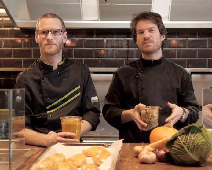 David (à gauche) et Pierre (à droite) sont à la base de ce projet de cuisine coopérative.