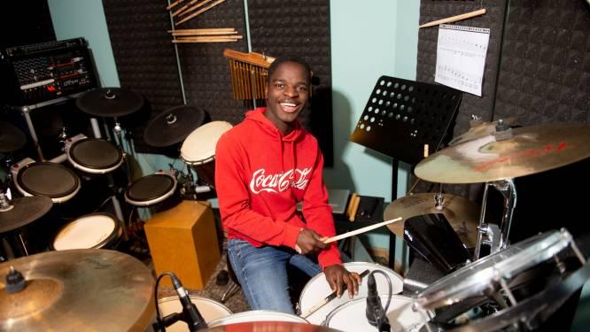 Apeldoornse Lionel (17) laat droom uitkomen met eigen musical in Orpheus