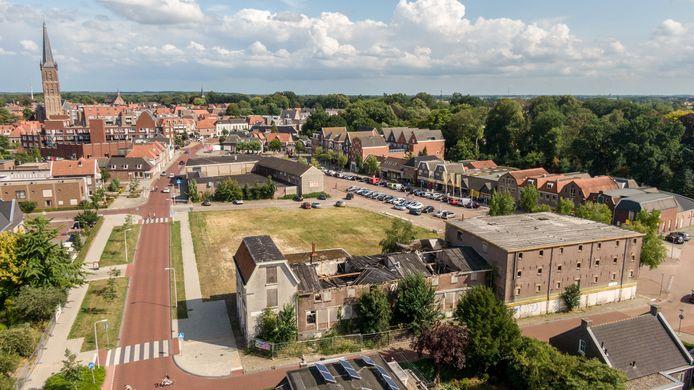 Het vervallen voormalige Welkooppand bij het Steenwijkerdiep in Steenwijk.