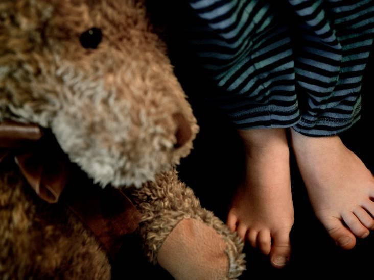 Moeder mishandelt zoon (10) met snoer: 'Ik was heel boos toen hij mijn andere kind liet vallen'