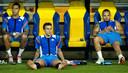 Gregory van der Wiel, Robin van Persie en Wesley Sneijder hebben een koelvest aan na de training van het Nederlands elftal in Charkov, tijdens het EK in 2012.