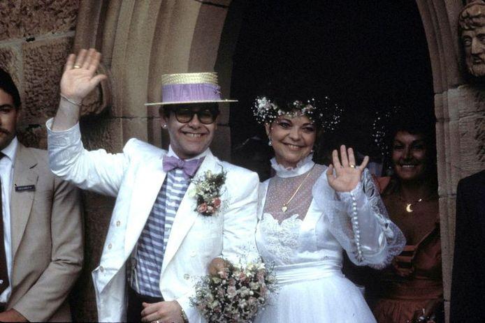 Dans son autobiographie parue en 2019, Elton John a brièvement évoqué son mariage avec Renate Blauel.