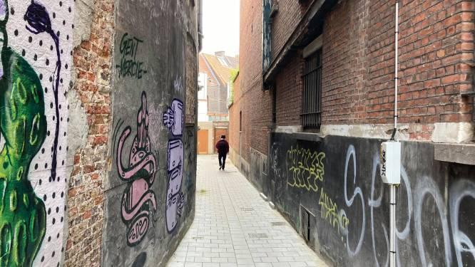 Man (30) die uit raam viel aan Steendam is overleden: geen derden betrokken bij incident