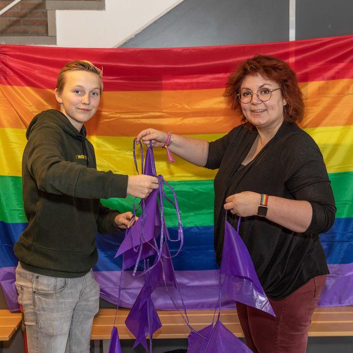 Leerling Zeger Teunissen en docente Mariëlle van der Heijden zijn lid van de GSA van het Ostrea Lyceum in Goes. Ze organiseren allerlei activiteiten vanwege Paarse Vrijdag.