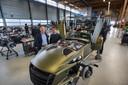 Joop Donkervoort en zoon Denis in de bedrijfshal in Lelystad, najaar 2017.