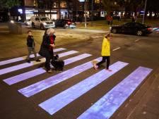 Van blacklight tot fluorescerende palen: VVD wil dat zebrapaden veel opvallender worden
