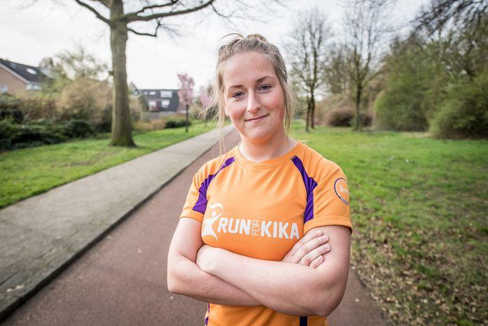 Carlijn Rouweler wil doen wat ze kan om de ziekte kanker te bestrijden. Daarom traint ze nu hard voor de KiKarun.