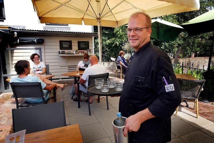 Het restaurant 't Veerhuys in Leerdam is ingericht op anderhalve meter afstand.