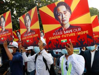 """Afgezette Myanmarese leider Suu Kyi """"in goede gezondheid"""" voor de rechter verschenen"""
