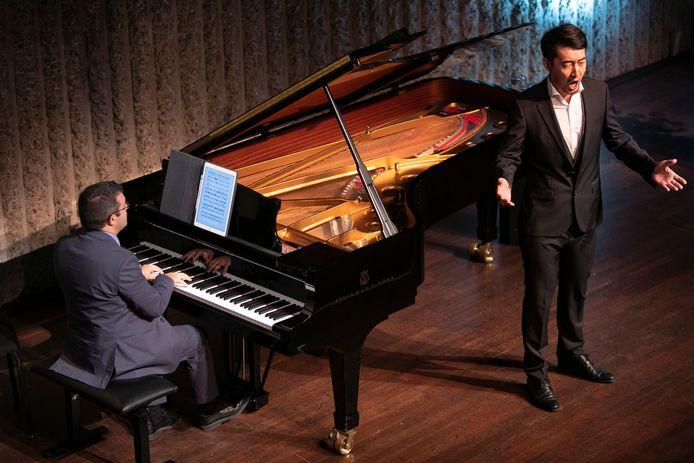 Bass-bariton Rui Xiao en pianist Diego Mingolla tijdens een eerdere editie van het internationale vocalisten concours (IVC) in Den Bosch.