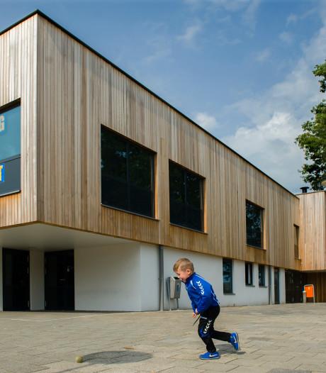 Verdiepingsvloer nieuw jeugd- en jongerencentrum Elzenburg in Vught gestut vanwege verzakking