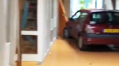 Vader van leerling rijdt opzettelijk basisschool binnen tijdens eindfeest in Nederland